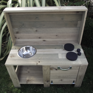 wooden mudkitchen with oven and elements